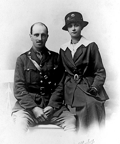 Second Lieutenant Alexander Small and his wife Grace