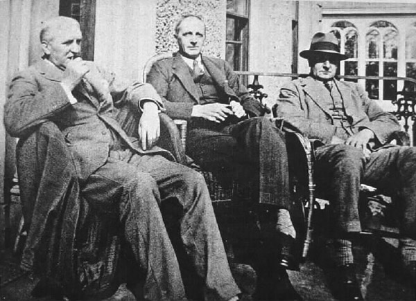 Photograph of Frederick, Edwin and Thomas Sinton at Ravarnet House in 1928