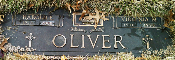 Headstone of Virginia May Oliver (née Sinton) 1910 - 1998